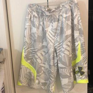 Men's white silver neon Under Armour shorts,L